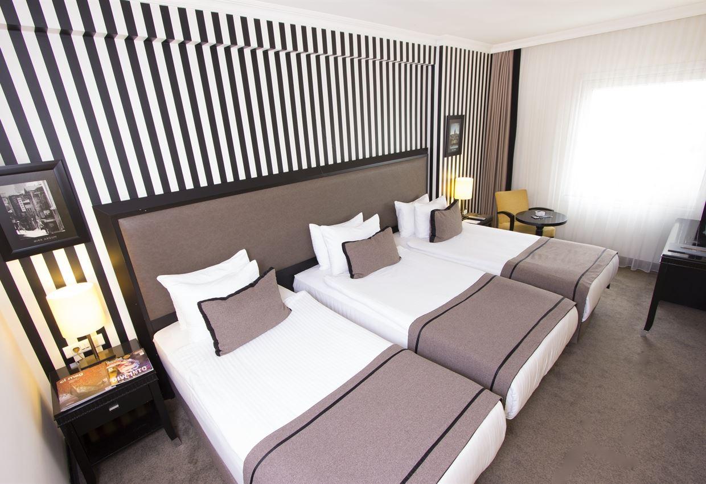 ac-taksim-deluxe-triple-room_l
