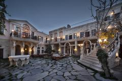 SACRED HOUSE / S-CLASS