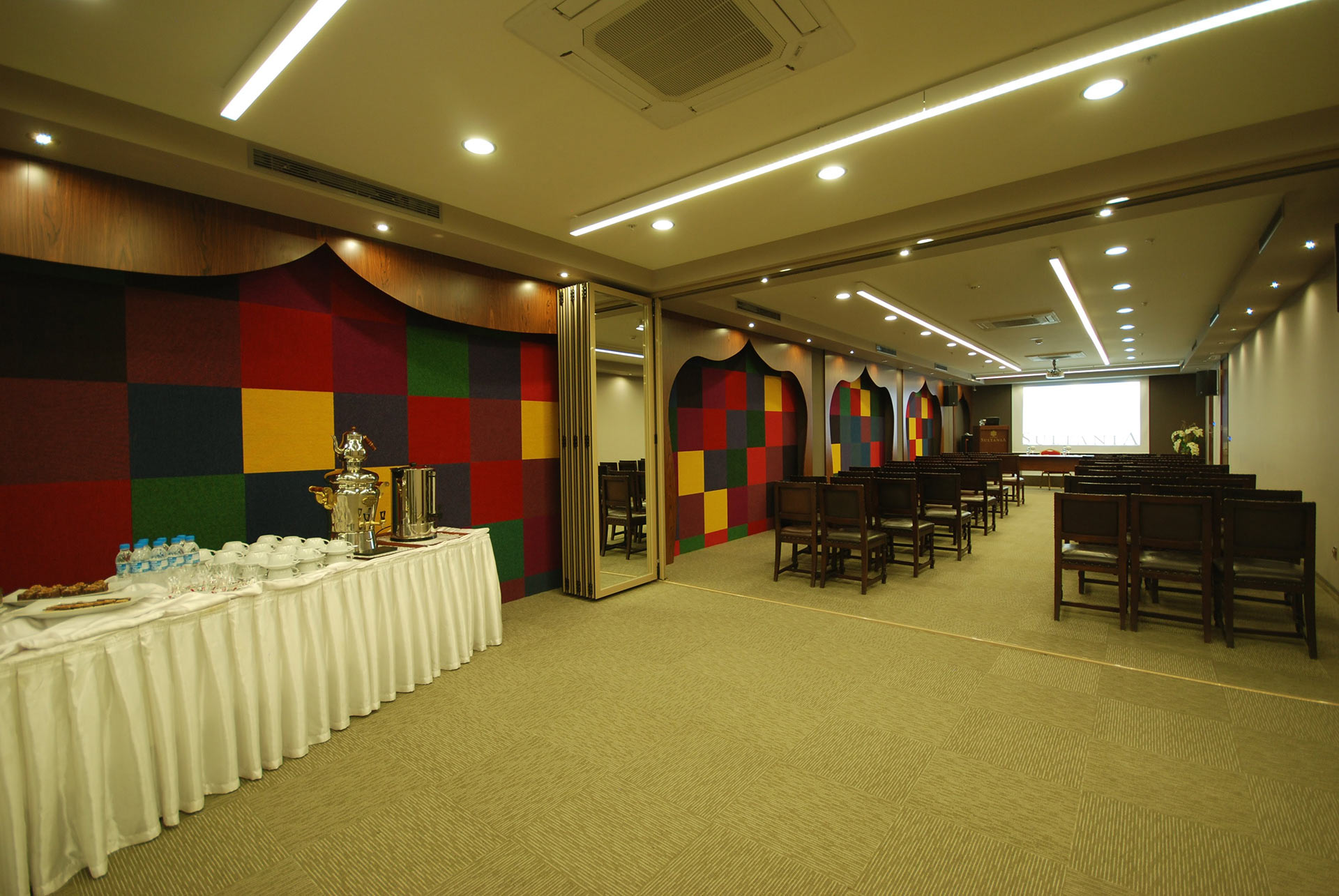 Istanbul_Hotel_Sultania_Conference_Room