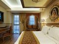 Hotel_Sultania_Deluxe_Room_Working_Desk