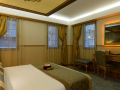 Istanbul_Hotel_Sultania_Deluxe_Room_Queen_Bed